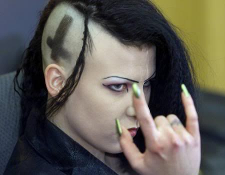 f-self-proclaimed-german-vampire-manuela-ruda-masonic-devils-horn-signal